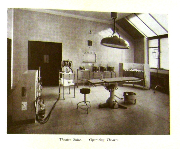 New Operating Theatre, St James' Hospital, 1940 (Brochure for the Opening of the Extensions at St James' Hospital, Leeds, West Yorkshire Archives 2295/390)